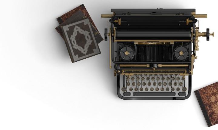 typewriter-2325552_960_720