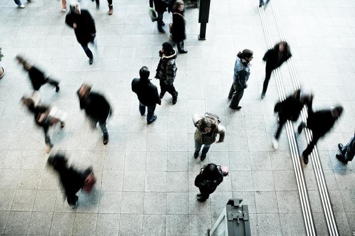 pedestrians-1209316_960_720