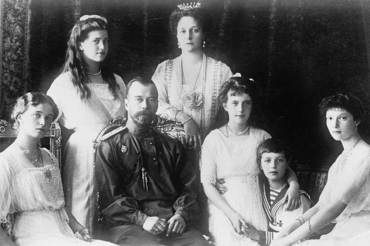 Il-y-a-un-siecle-le-tsar-Nicolas-II-etait-assassine-avec-toute-sa-famille